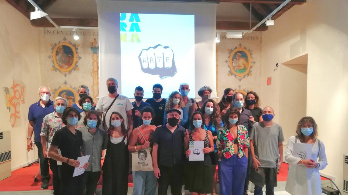 Santa Clara acoge la presentación de la revista 'Jarana', fruto del II Campus Polígono Sur de Factoría Cultural