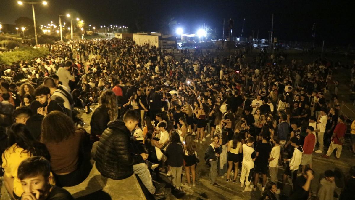 Barcelona cerrará las tiendas 24 horas que vendan alcohol a menores o fuera del horario permitido