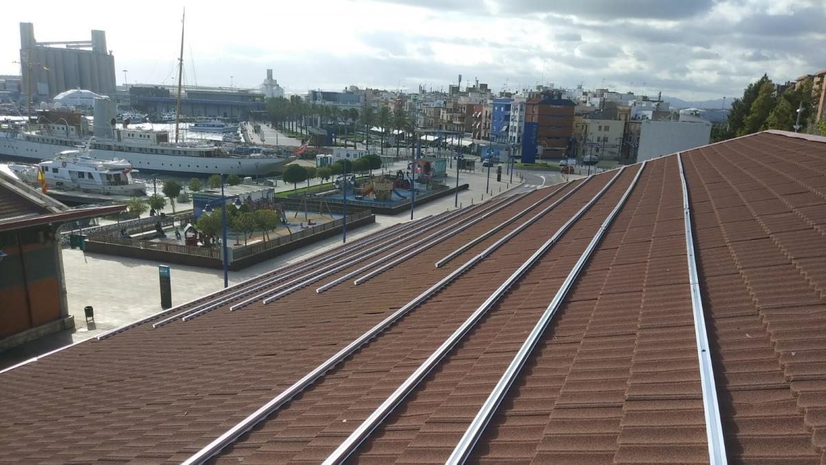 El Port de Tarragona instala 588 paneles fotovoltaicos que ahorrarán 32.000 euros anuales