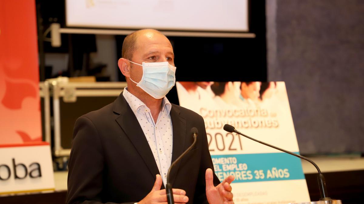El alcalde de Montalbán destina su sueldo integro a actuaciones de conservación para generar empleo