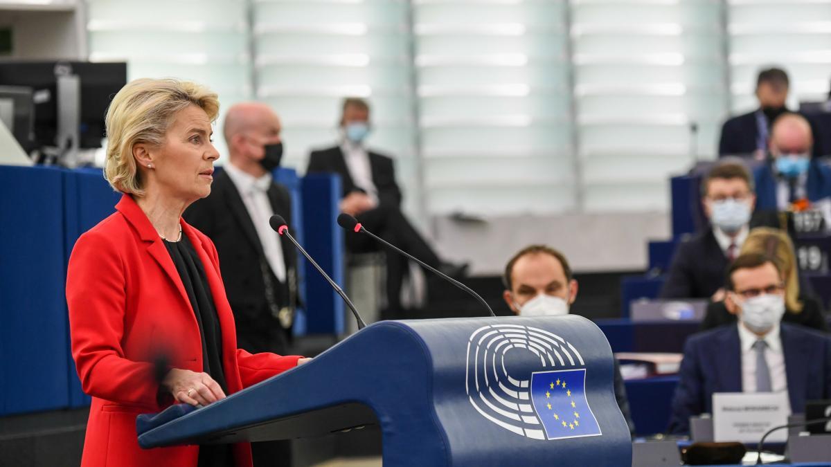 Polonia termina de declarar la 'guerra' a Bruselas y Von der Leyen amenaza con sanciones y ...