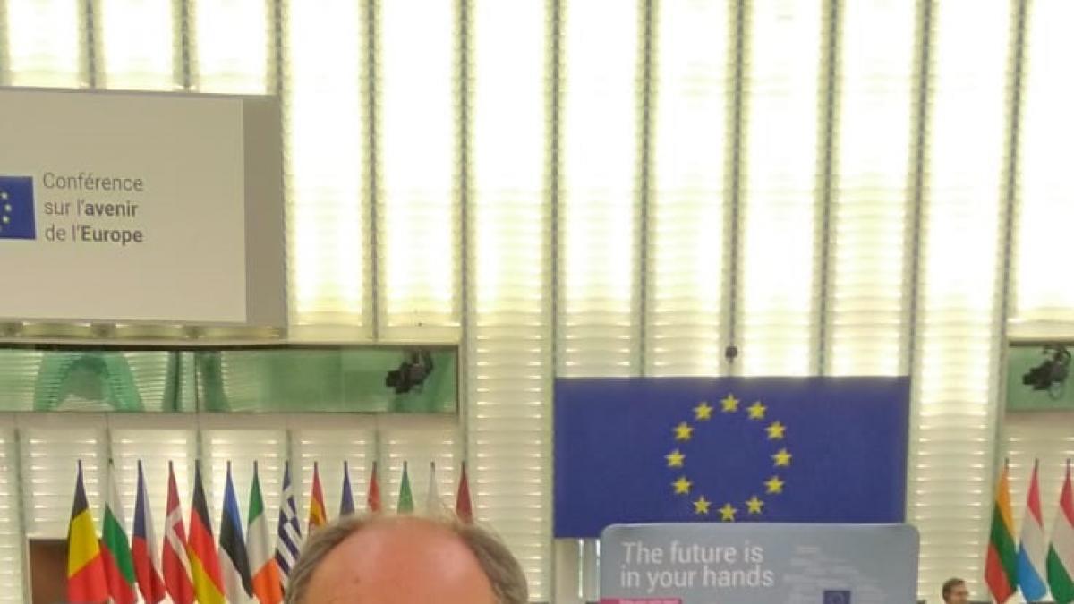 """Un participante vasco de la Cofoe aboga por la """"Europa de los Pueblos"""" y cree que hay que """"acercarse"""" a la UE"""