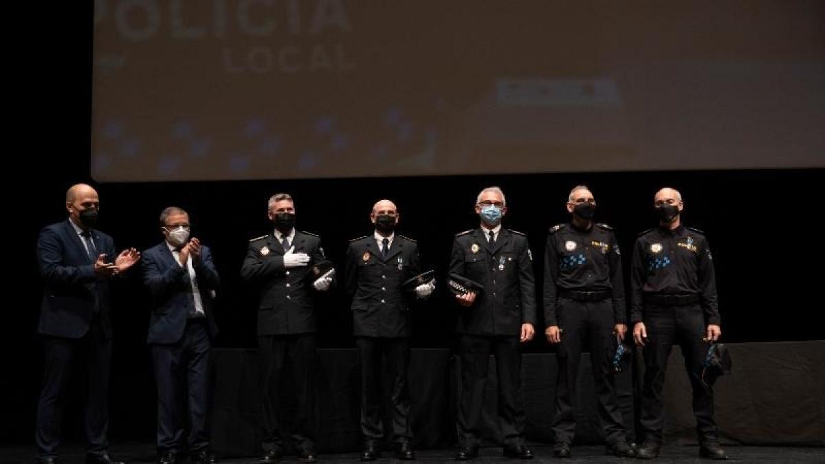 Entregadas las Medallas al Mérito de la Policía Local de La Rioja y los diplomas a los nuevos agentes