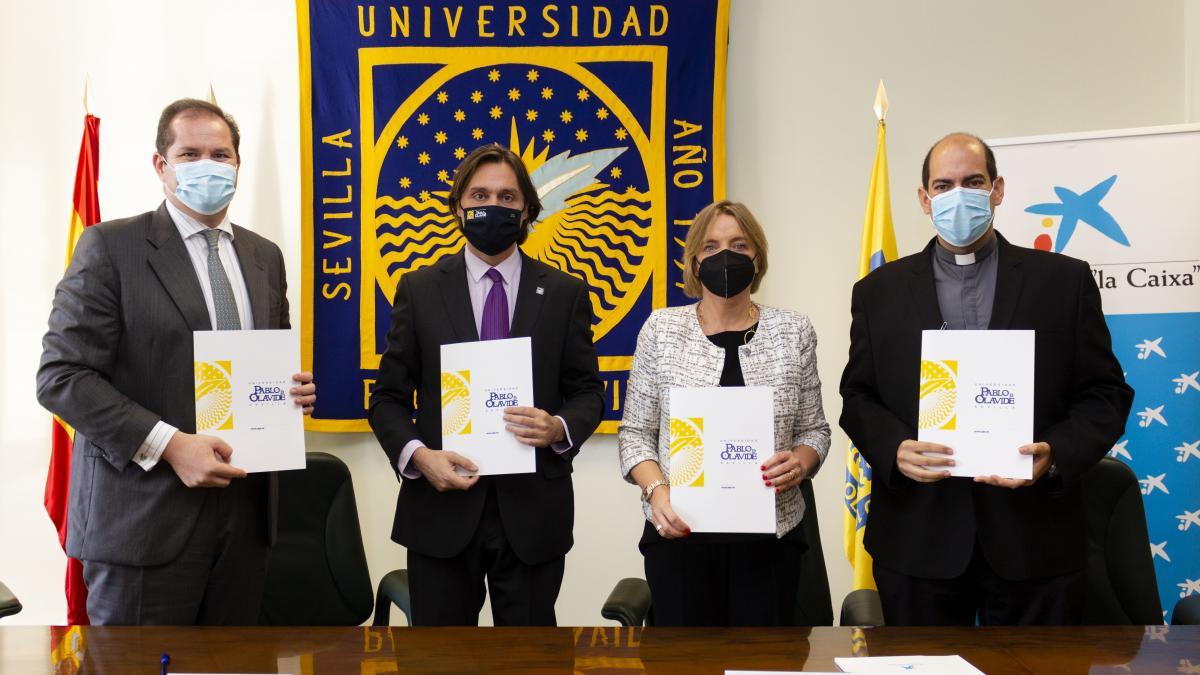 La UPO, Caixabank, Persán y Cáritas impulsan 48 ayudas para estudiantes con dificultades económicas