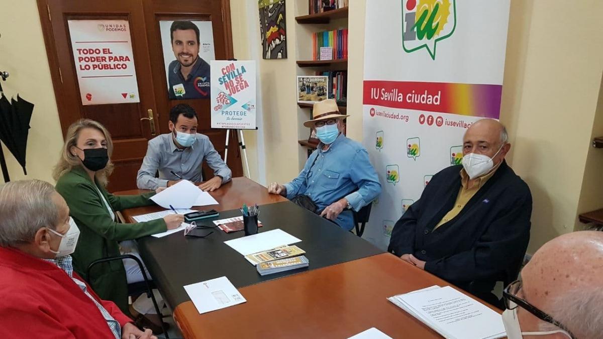Oliva pide que el Consejo de Mayores participe en la Red 'Sevilla Ciudad amigable con las personas mayores'